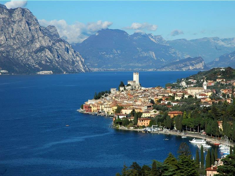 Tour del Lago di Garda - Dolphin Boat